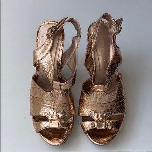 Shoes - BCBG Generations Gold Platform Sandals Sz 6.5